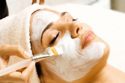 Een standaard, luxe of VIP beautybehandeling tot 120 minuten bij Beautysalon Mehrana