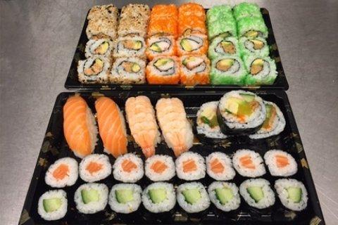 Complete sushibox met 47 of 94 stuks om af te halen bij Happy Mango in Rotterdam-Zuid