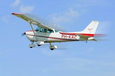 Zelf vliegen met een Cessna bij vliegschool Special Air Services
