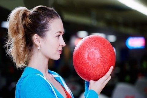 1 uur bowlen incl. een hoofdgerecht naar keuze voor 2-8 pers. bij Restaurant Suyderoogh...