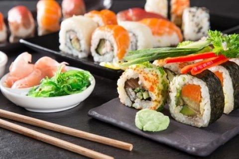 Breda: onbeperkt sushi en Indonesische gerechtjes incl. dessert van de chef bij Asian...