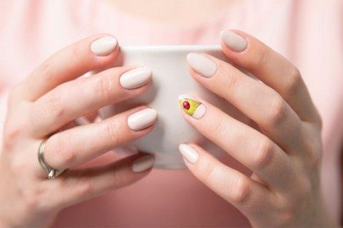 Spaarndammerbuurt: manicure naar keuze voor 1 of 2 personen bij Beautilina in Amsterdam
