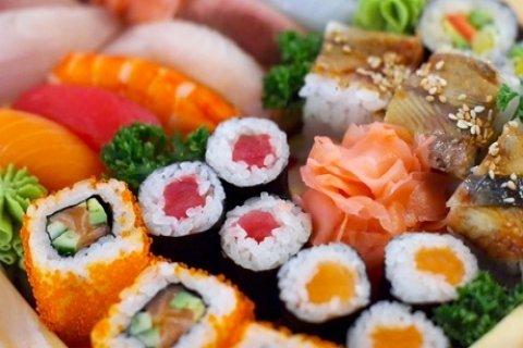 Sushibox deluxe van 44-88 stuks of sushi-en sashimibox van 20-40 stuks afhalen bij Sushi...