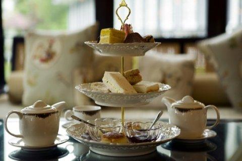 High-tea voor 2-6 personen bij Eetcafé Cliché in hartje Leek
